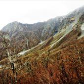 鳥取、大山、頂上をふり返る