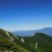長野、木曽駒ケ岳より御岳山を望む