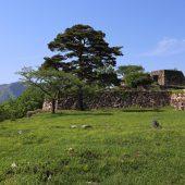 兵庫、但馬、武田城跡、晩秋には雲海に浮かぶ