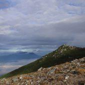 極楽平から御嶽山を望む