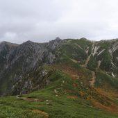 三ノ沢岳への登山道から駒ケ岳を望む