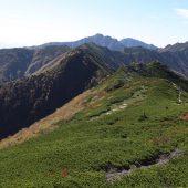 檜尾岳、空木岳方面を望む